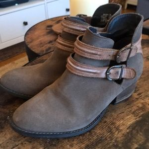 Used condition Steve Madden Shoes Size 7 👞